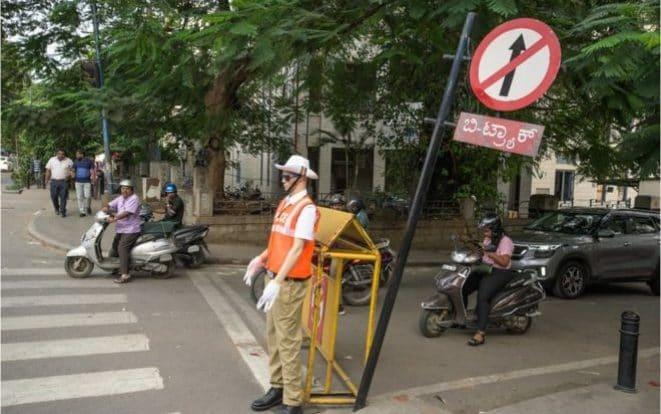 Mannequins dressed up as traffic police have been placed on roads in the southern city of Bangalore - Asif Saud/BBC
