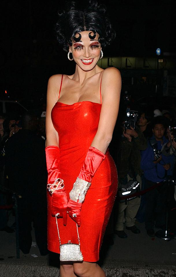 NEW YORK - NOVEMBER 1:  (U.S. TABLOIDS OUT)  Model Heidi Klum attends her 3rd annual Halloween Party at Capitale November 1, 2002 in New York City. (Photo by Mark Mainz/Getty Images)