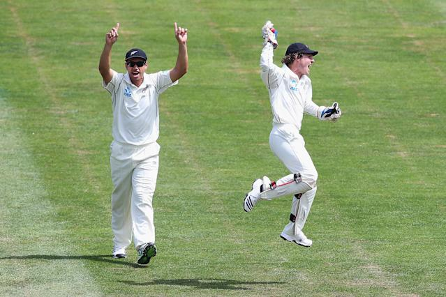 DUNEDIN, NEW ZEALAND - DECEMBER 06: Ross Taylor and BJ Watling of New Zealand celebrate the wicket of Narsingh Deonarine of the West Indies during day four of the first test match between New Zealand and the West Indies at University Oval on December 6, 2013 in Dunedin, New Zealand. (Photo by Hannah Johnston/Getty Images)