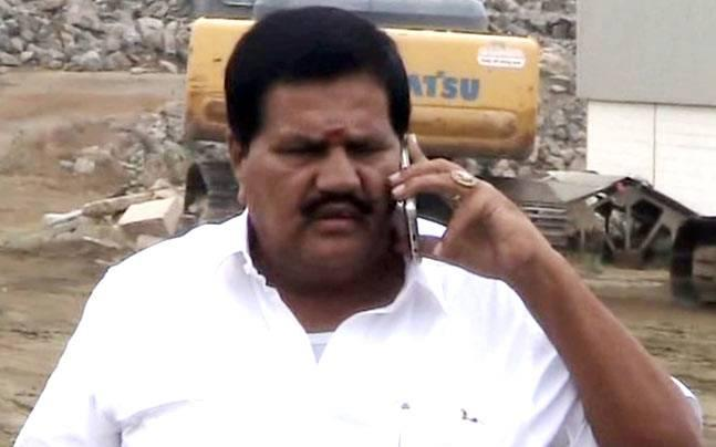 AIADMK MLA Kangaraj threatens to leave Sasikala camp over inaction in quarry deaths