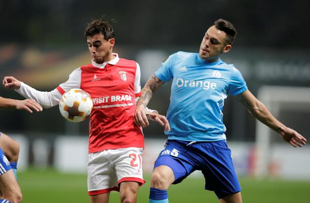 Soccer Football - Europa League Round of 32 Second Leg - S.C. Braga vs Olympique de Marseille - Estadio Municipal de Braga, Braga, Portugal - February 22, 2018 Sporting Braga's Ricardo Horta in action with Marseille's Lucas Ocampos REUTERS/Miguel Vidal