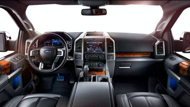 2018 Ford F-150 Platinum interior (Credit: Ford)