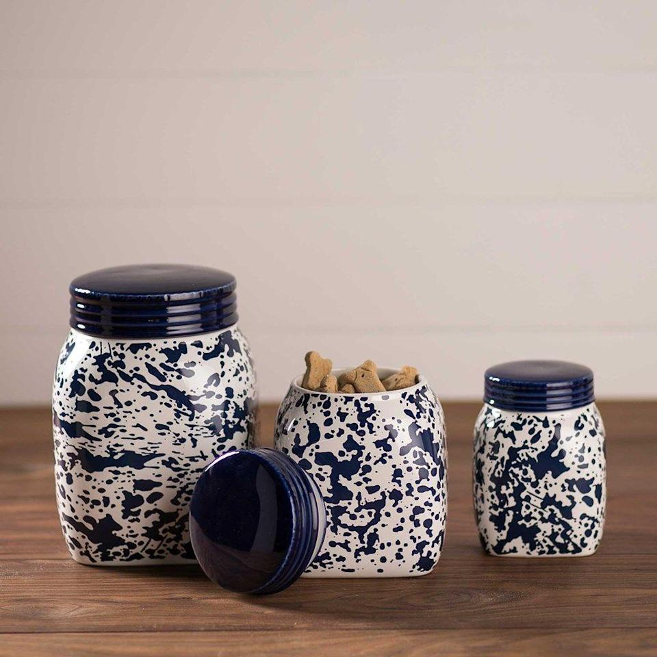 """<p>shop.crackerbarrel.com</p><p><strong>$49.99</strong></p><p><a href=""""https://shop.crackerbarrel.com/home-furniture/kitchen-dining/kitchen-utensils-gadgets/blue-splatterware-mason-jar-canister-set/660438"""" rel=""""nofollow noopener"""" target=""""_blank"""" data-ylk=""""slk:Shop Now"""" class=""""link rapid-noclick-resp"""">Shop Now</a></p><p>Help her stay organized with this cute Mason jar set, perfect for holding pencils, paperclips, or rulers.</p>"""