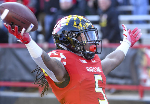 "<a class=""link rapid-noclick-resp"" href=""/ncaaw/teams/maryland/"" data-ylk=""slk:Maryland Terrapins"">Maryland Terrapins</a> running back Anthony McFarland celebrates against Ohio State (Getty Images)"