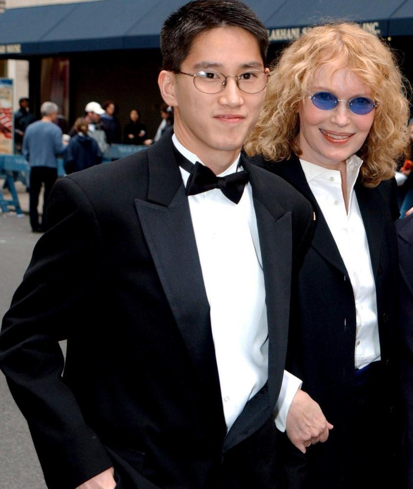Moses and Mia Farrow at the wedding of Liza Minnelli and David Gest, 2002.