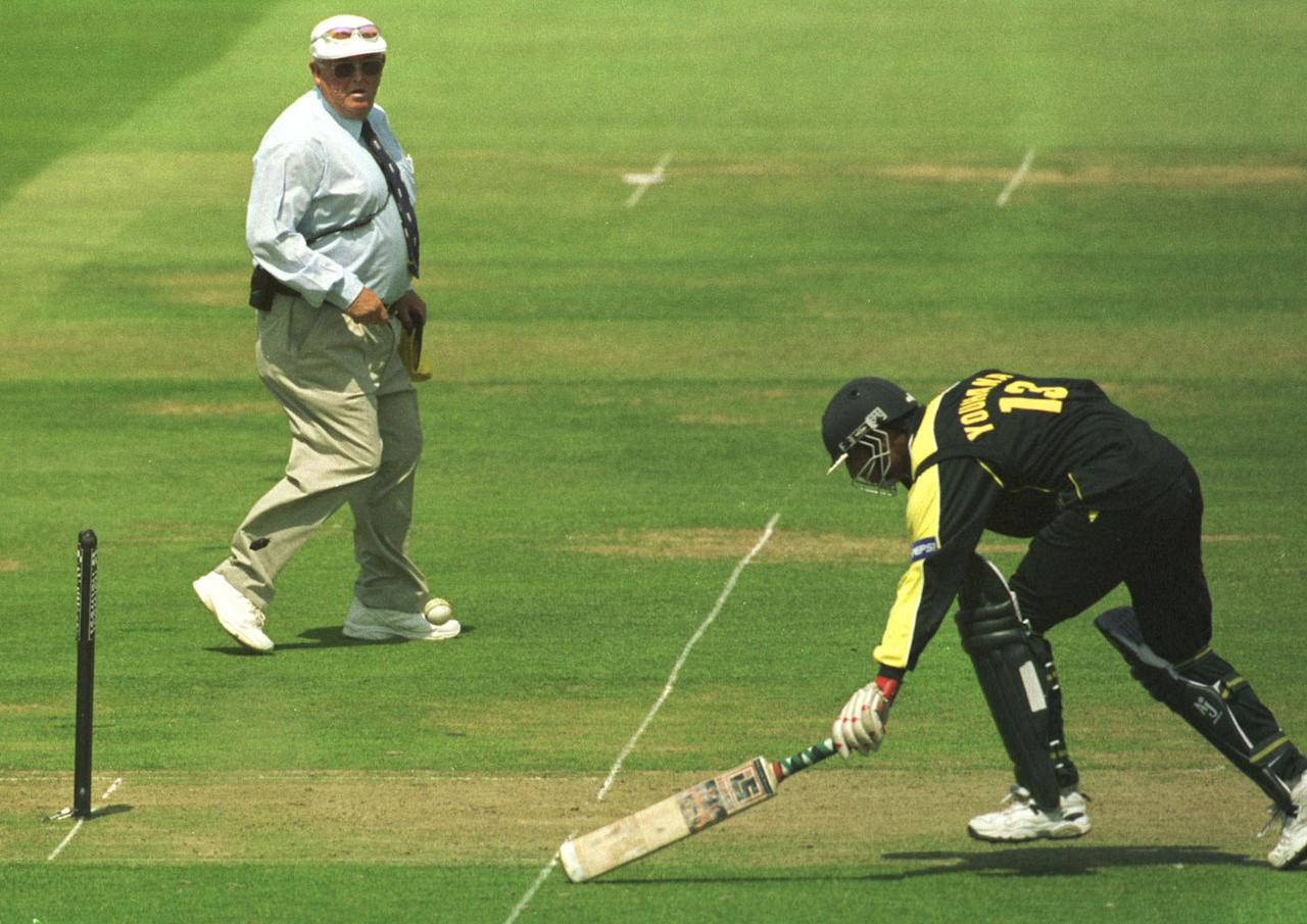 23 Jun 2001:  Umpire David Shepherd looks on as Yousuf Youhana of Pakistan is run out by Ricky Ponting of Australia during the Natwest Triangular Series Final between Australia and Pakistan played at Lord's Cricket Ground, London. Mandatory Credit: CraigPrentis/ALLSPORT