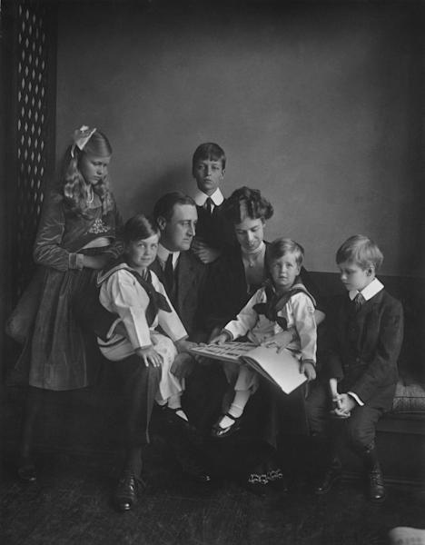 """This June 12, 1919 photo provided by PBS shows Franklin and Eleanor Roosevelt with their children in Washington. PBS announced Thursday, May 8, 2014, its fall season will open with the seven-part Ken Burns' documentary, """"The Roosevelts: An Intimate History."""" (AP Photo/PBS, Franklin D. Roosevelt Presidential Library, Hyde Park, NY, Daniel J. White)"""