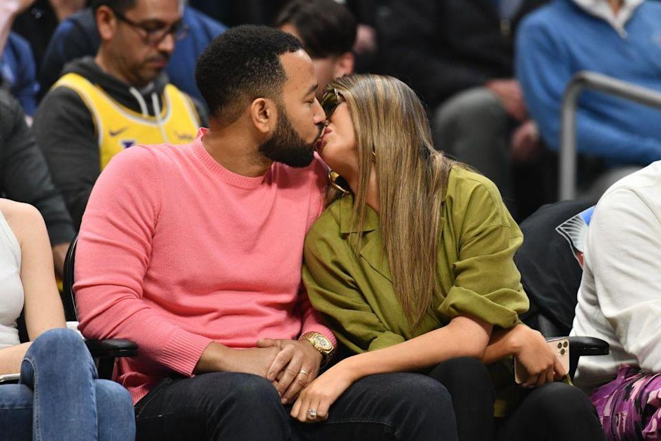 <p>The couple were pictured kissing at a basketball game in Los Angeles on 8th March.</p>