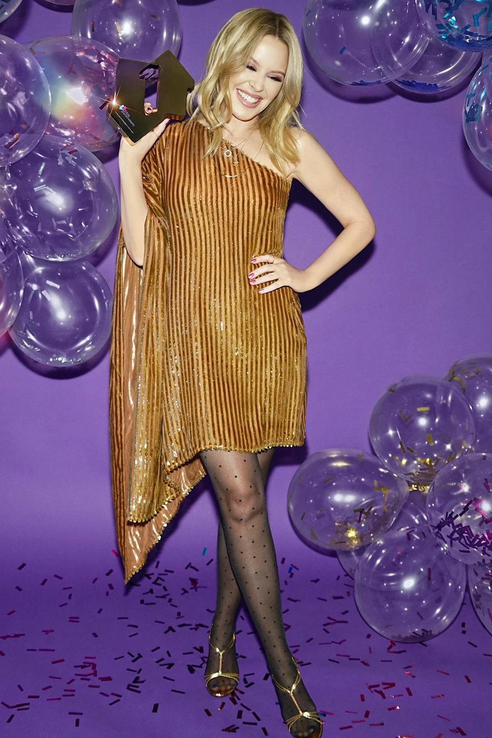<p>Kylie Minogue celebrated her new album <em>DISCO </em>taking the top spot on the charts in the U.K.</p>