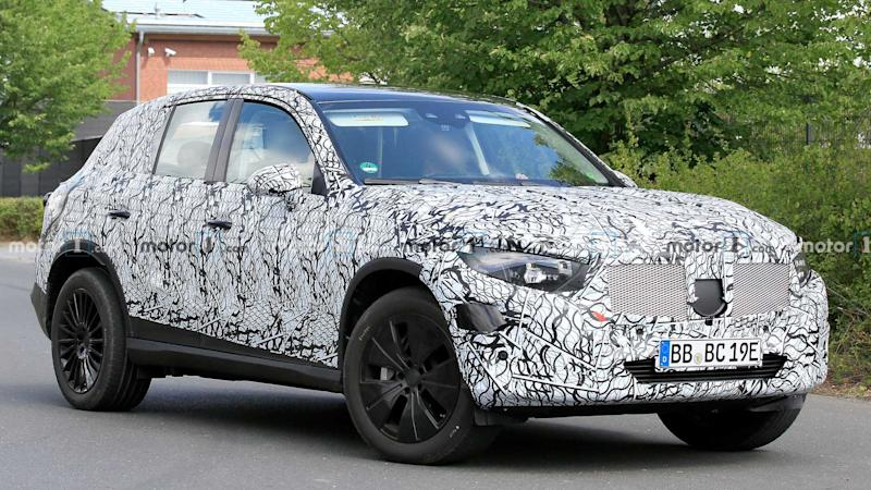 2022 Mercedes-Benz GLC-Class Spy Photos Front 3/4