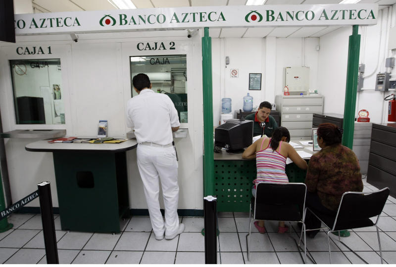 Oficina de Banco Azteca en Zamora, Michoacan, México. Foto: Tom Pennington/Fort Worth Star-Telegram/Tribune News Service via Getty Images.