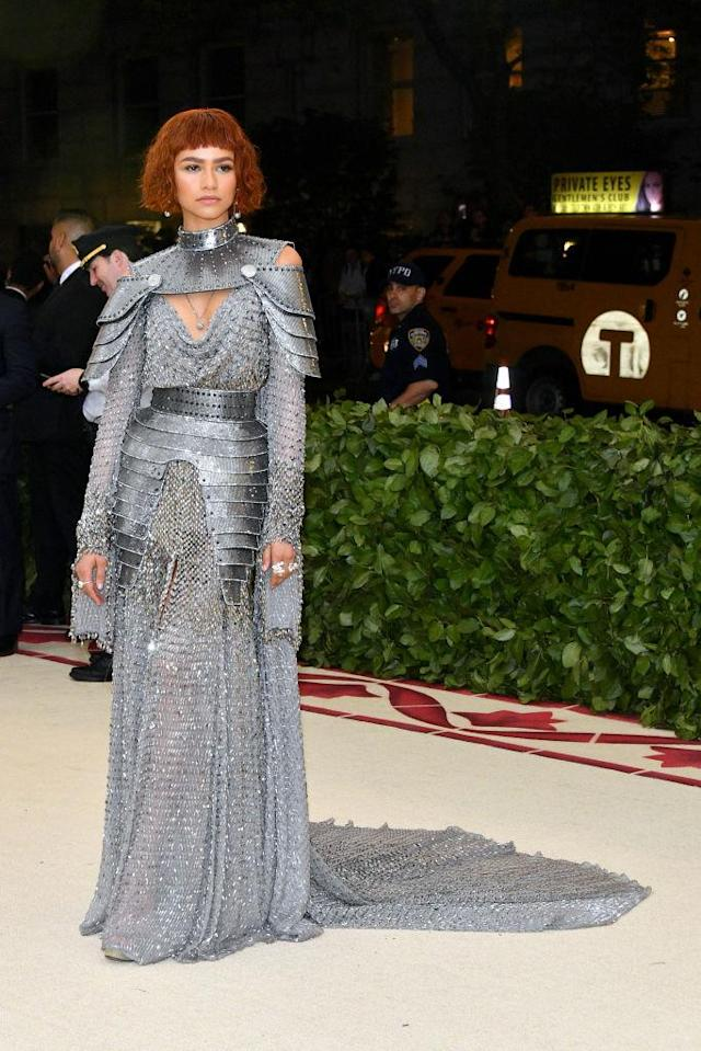 <p>The actress was a glamorous gladiator in Versace. (Photo: Getty Images) </p>