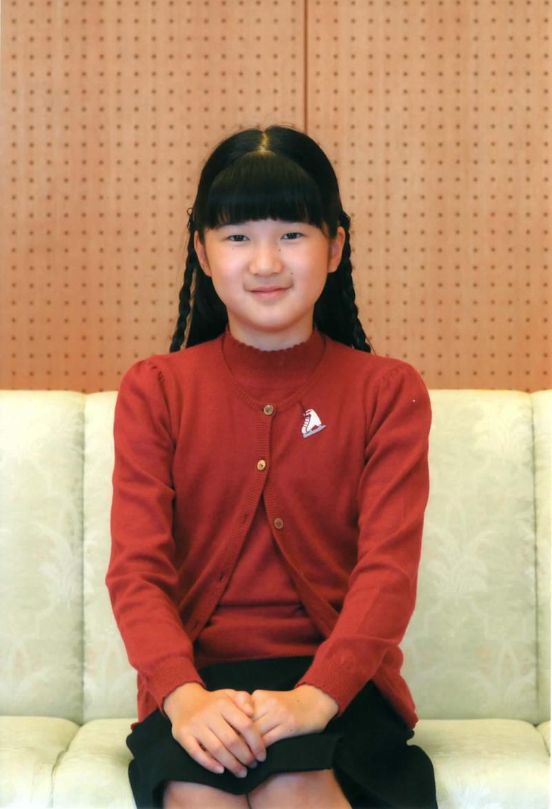 In this Nov. 23, 2011 photo released by the Imperial Household Agency of Japan, Princess Aiko poses at her Togu Palace residence in Tokyo. Aiko, daughter of Crown Prince Naruhito and Crown Princess Masako, turned 10 on Thursday,  Dec. 1, 2011. (AP Photo/Imperial Household Agency of Japan) EDITORIAL USE ONLY