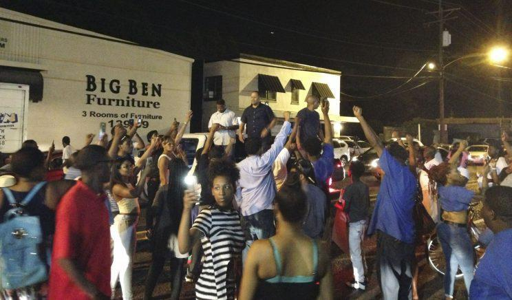 People protest the death of Alton Sterling in Baton Rouge, Louisiana on July 5, 2016. (Photo: Bryn Stole/Reuters)