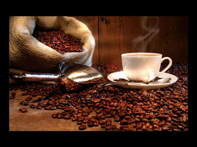 <b>Caffeine</b><br>Gulping down cups of coffee or cola might be something you enjoy doing. However, you must familiarize yourself with the damage it is causing to your skin. Experts state that excess caffeine dehydrates the skin and also expedites the process of ageing and result in damage to the overall appearance of the skin.