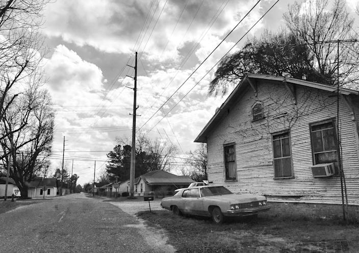 A home in Selma, whose population dropped from about 28,000 in 1960 to less than 19,000 in 2016. (Photo: Holly Bailey/Yahoo News)