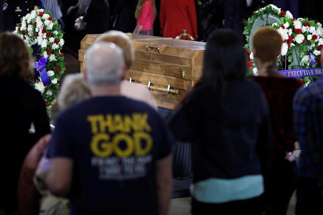 <p>The casket of the late evangelist Billy Graham is seen as he lies in honor at the U.S. Capitol in Washington, Feb. 28, 2018. (Photo: Aaron P. Bernstein/Reuters) </p>
