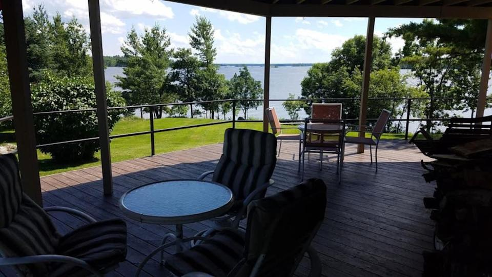 """<h2>Rainy Lake, Minnesota<br></h2><br><strong>Location: </strong>International Falls, Minnesota<br><strong>Sleeps: </strong>9<br><strong>Price Per Night:</strong> $500<br><br>""""Close to great resort restaurants, fishing holes, and downtown International Falls. Home also has a private harbor for your boat!""""<br><br><h3>Book <a href=""""http://airbnb.pvxt.net/ORR6XA"""" rel=""""nofollow noopener"""" target=""""_blank"""" data-ylk=""""slk:Rainy Lake Retreat"""" class=""""link rapid-noclick-resp"""">Rainy Lake Retreat</a></h3>"""