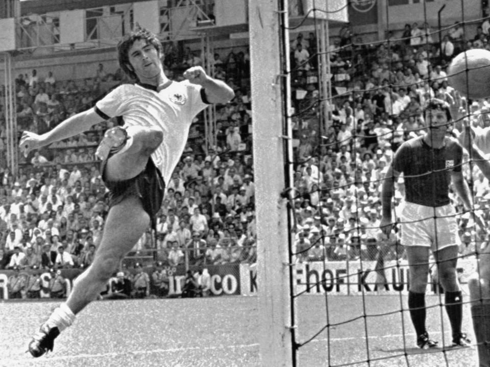 FILE - In this June 14, 1970 file photo Germany's Gerd Mueller scores the decisive third goal for Germany during the World Cup quarterfinal soccer match between Germany and England in Leon, Mexico. The Germans recovered from a 2-0 deficit to officially end England's reign as World Cup champions in the quarterfinals of the 1970 tournament in Mexico. (AP Photo, File)