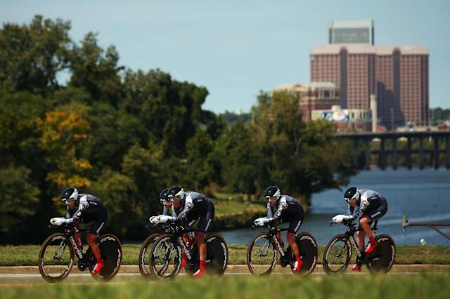 Trixi Worrack of Germany leads the Velocio-SRAM team on their way to winning the Women's Team Time Trial during the UCI Road World Championships on September 20, 2015 in Richmond, Virginia (AFP Photo/Bryn Lennon)
