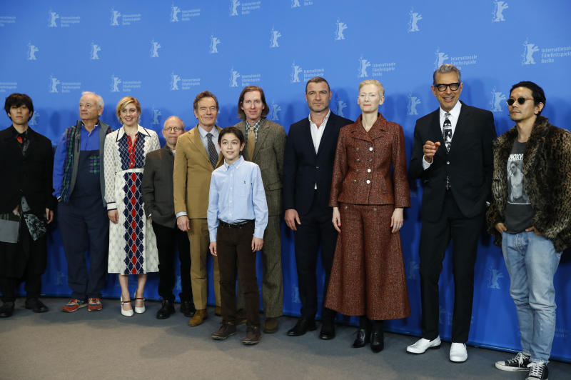 Director, screenwriter and producer Wes Anderson and cast members Jason Schwartzman, Kunichi Nomura, Bryan Cranston, Koyu Rankin, Greta Gerwig, Liev Schreiber, Bill Murray, Bob Balaban, Jeff Goldblum,Tilda Swinton, Jeremy Dawson, Mari Nakutsi, Roman Kopola, Yojiro Noda, Akira Takayama and Steven Rales pose during a photocall to promote the movie Isle of Dogs at the 68th Berlinale International Film Festival in Berlin, Germany, February 15, 2018. REUTERS/Fabrizio Bensch
