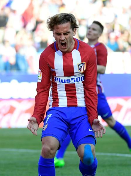Atletico Madrid's forward Antoine Griezmann scored against Sevilla FC at the Vicente Calderon stadium in Madrid on March 19, 2017