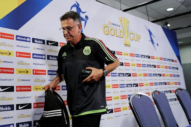 Mexico's loss in the Gold Cup semifinals has reignited debate over Juan Carlos Osorio's future as manager. (EFE)