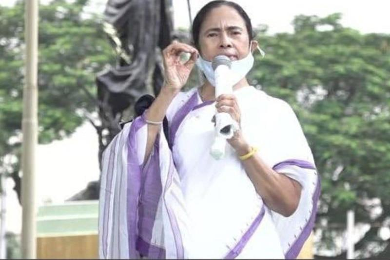 Ahead of Festive Season, CM Mamata Urges People to Strictly Adhere to Covid-19 Regulations