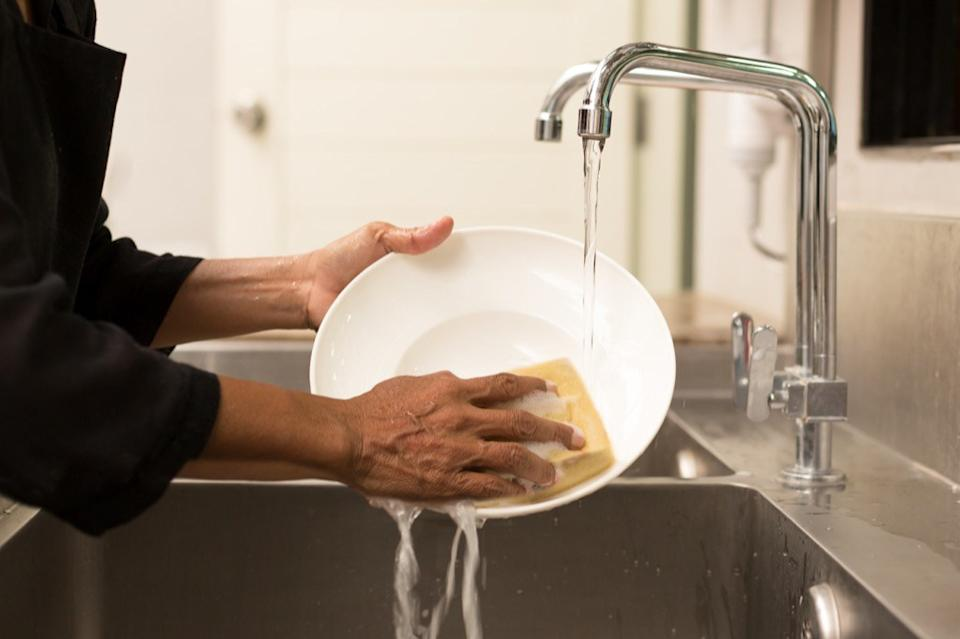washing dishes, cleaning mistakes