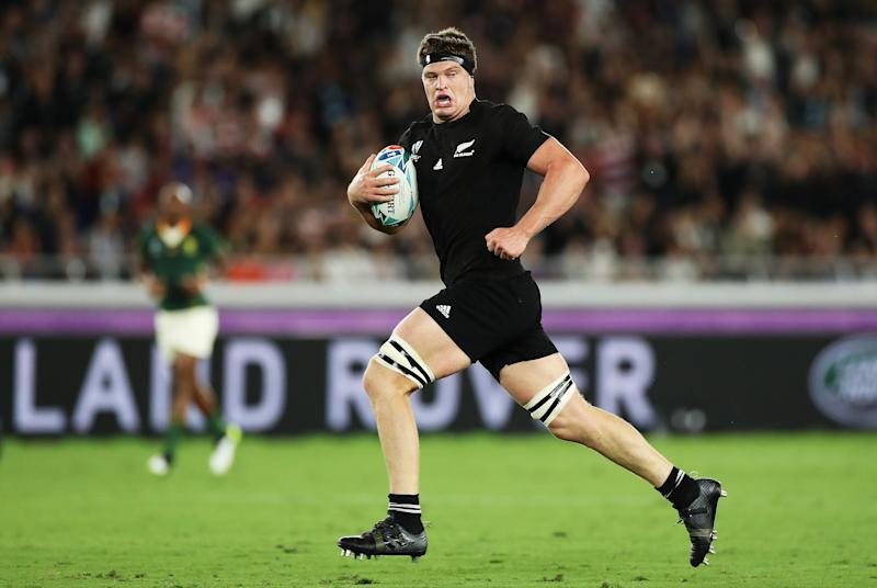 Scott Barrett of New Zealand runs with the ball to score his side's second try. (Credit: Getty Images)