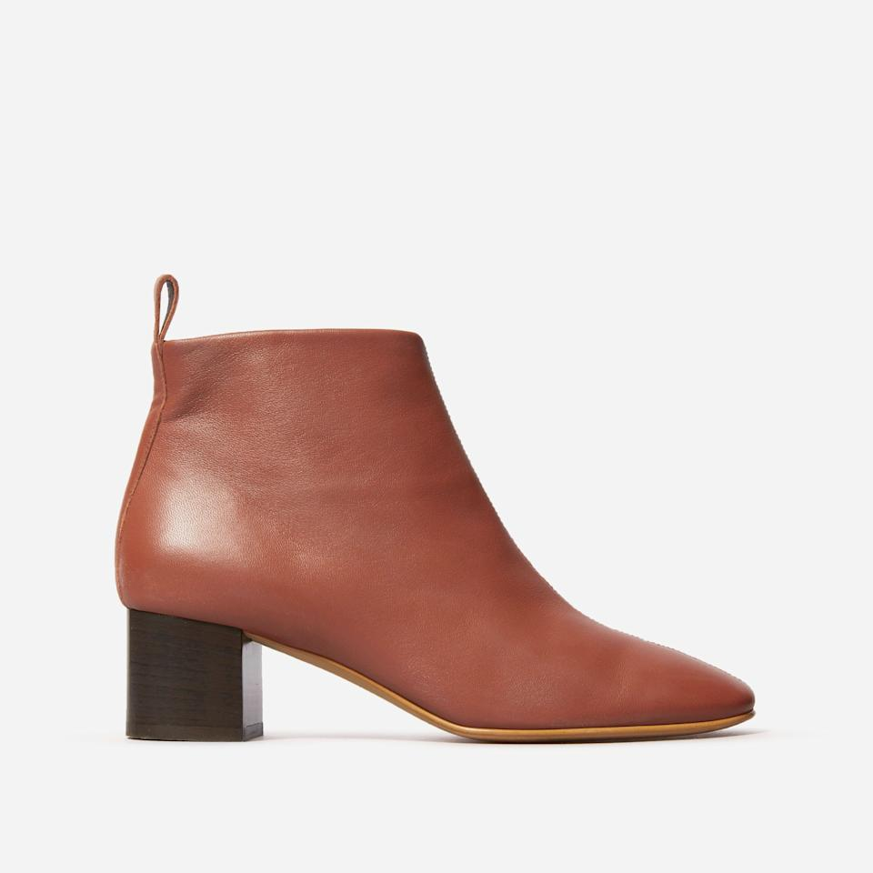 """<h3><a href=""""https://www.everlane.com/products/womens-day-boot-brick?collection=womens-boots"""" rel=""""nofollow noopener"""" target=""""_blank"""" data-ylk=""""slk:The Day Boot"""" class=""""link rapid-noclick-resp"""">The Day Boot</a></h3><br>Our beauty and wellness writer Karina Hoshikawa <a href=""""https://www.refinery29.com/en-us/most-comfortable-boots#slide-1"""" rel=""""nofollow noopener"""" target=""""_blank"""" data-ylk=""""slk:vouches for this boot's title"""" class=""""link rapid-noclick-resp"""">vouches for this boot's title</a> — you really can wear them all day, sans foot friction of any kind. <br><br><strong>Everlane</strong> The Day Boot, $, available at <a href=""""https://go.skimresources.com/?id=30283X879131&url=https%3A%2F%2Fwww.everlane.com%2Fproducts%2Fwomens-day-boot-brick%3Fcollection%3Dwomens-boots"""" rel=""""nofollow noopener"""" target=""""_blank"""" data-ylk=""""slk:Everlane"""" class=""""link rapid-noclick-resp"""">Everlane</a>"""