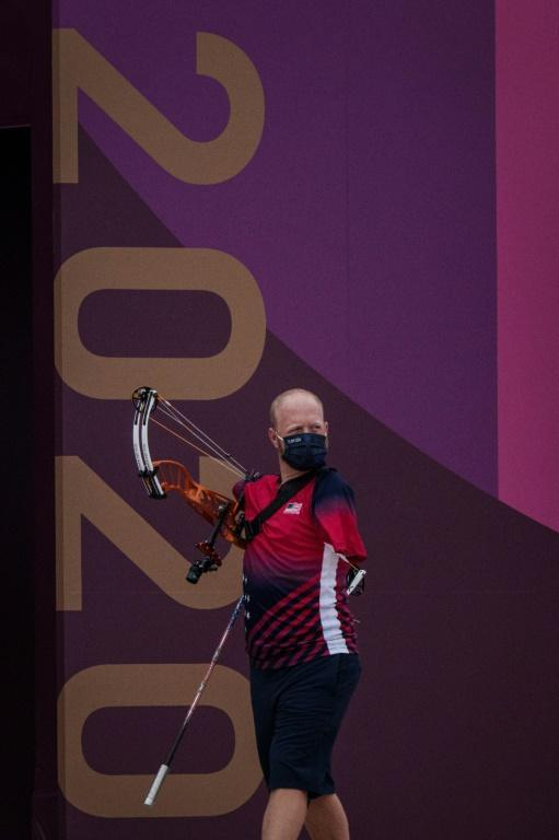 Goodbye to Tokyo, I'll be back for Paris: Armless archer Matt Stutzman was knocked out in the last 16 for the second Psralympics in a row Tuesday (AFP/Yasuyoshi CHIBA)