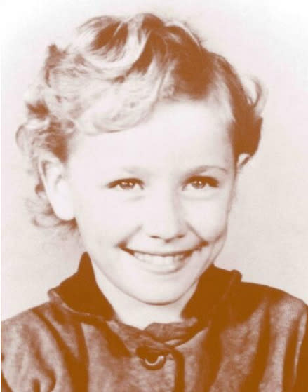 """<p>Country crooner and actress Dolly Parton: """"Can you believe that little thing grew up to be little 'ole me? :) #ThrowbackThursday"""" -<a href=""""https://twitter.com/DollyParton/status/487263445767950336/photo/1"""" rel=""""nofollow noopener"""" target=""""_blank"""" data-ylk=""""slk:@DollyParton"""" class=""""link rapid-noclick-resp"""">@DollyParton</a> (Twitter)<br></p>"""