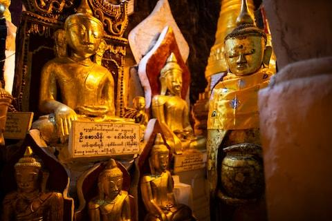 Inside Pindaya caves - Credit: getty