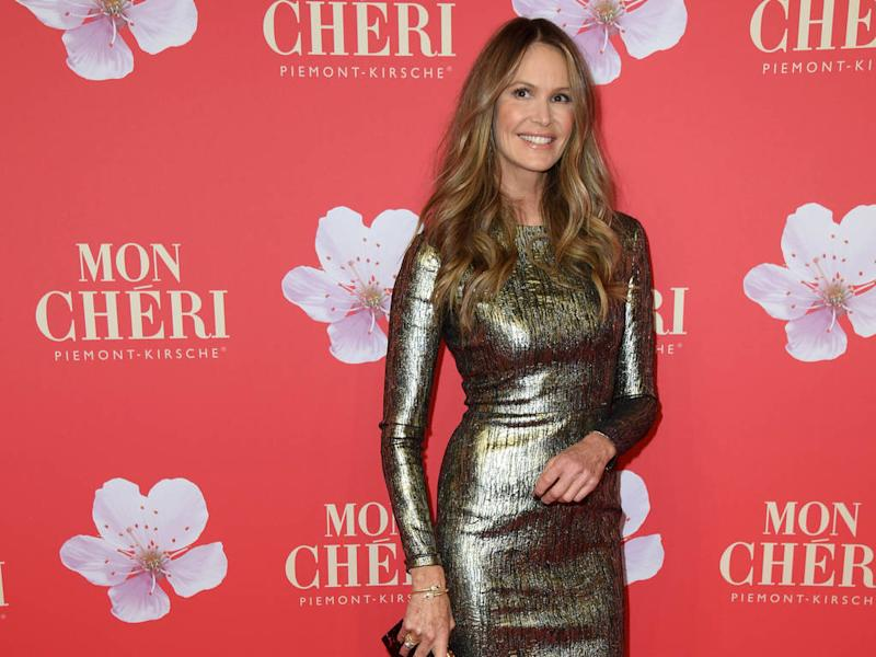 Elle Macpherson responds to troll over cosmetic surgery accusation
