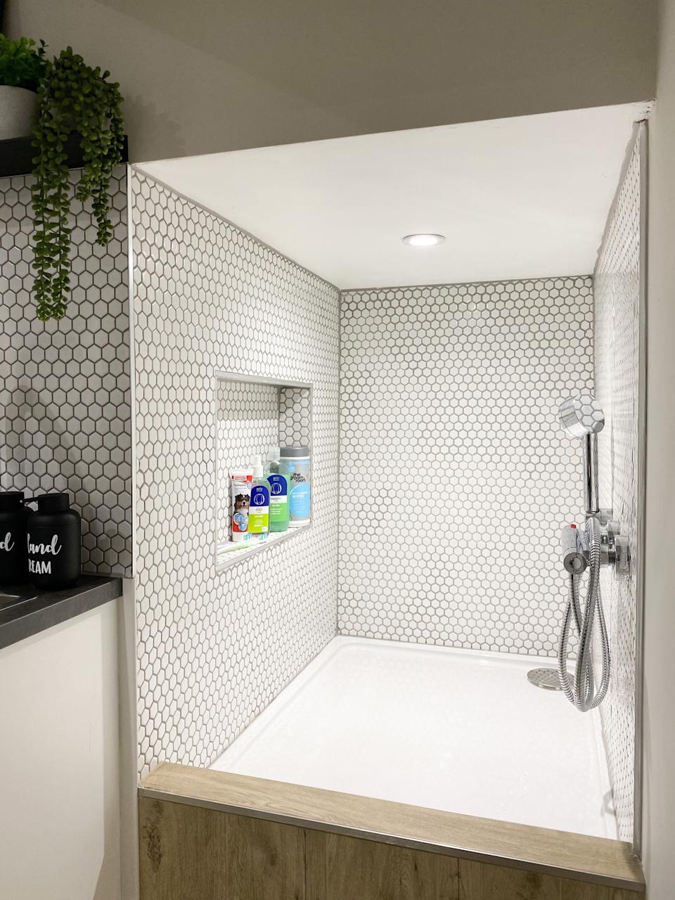 A close up of the shower space. (@homestuffonly and Drench)