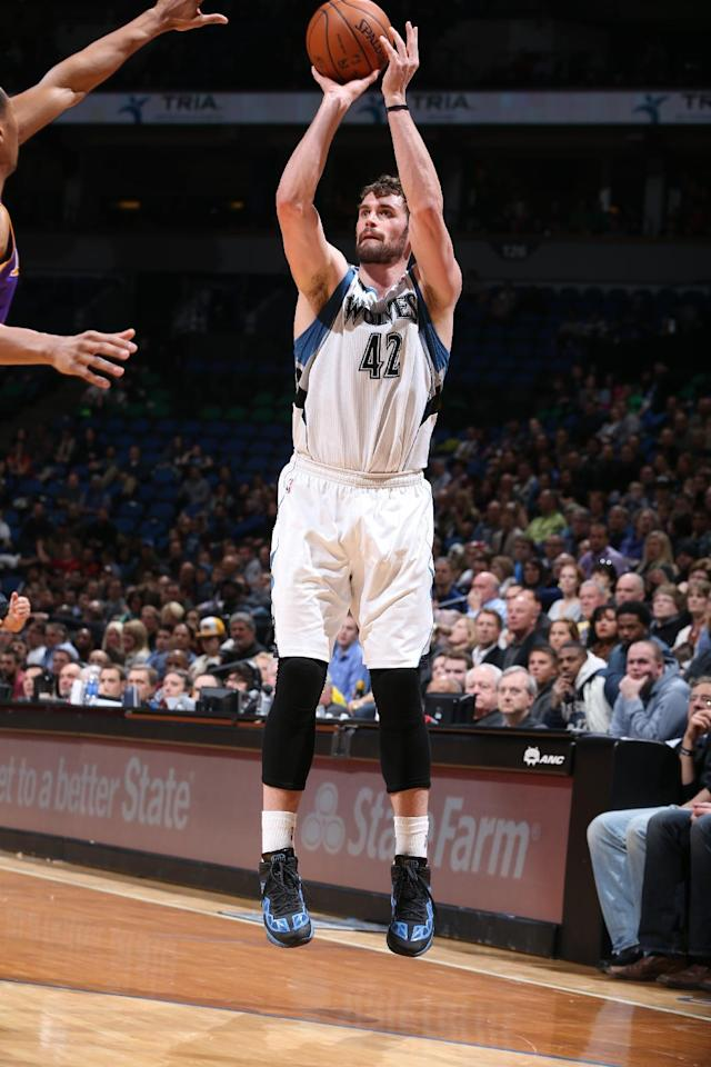 MINNEAPOLIS, MN - FEBRUARY 4: Kevin Love #42 of the Minnesota Timberwolves taking a shot during a game against the Los Angeles Lakers on February 4, 2014 at Target Center in Minneapolis, Minnesota. (Photo by David Sherman/NBAE via Getty Images)