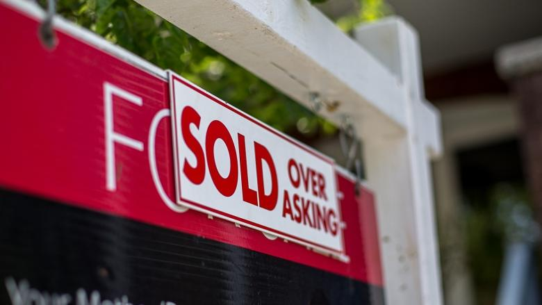 Foreign buyers tax, expanded rent control coming to Ontario