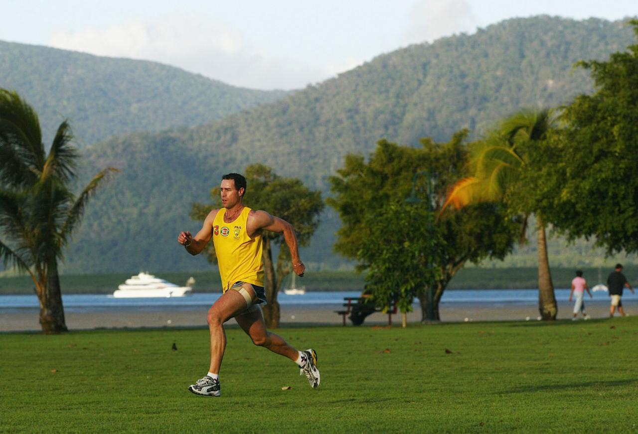 CAIRNS - JULY 29:  Cricketer Michael Bevan of Australia trains on The Esplanade on July 29, 2003, Cairns, Australia. (Photo by Hamish Blair/Getty Images)