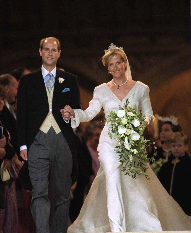 WINDSOR, UNITED KINGDOM - JUNE 19: Wedding Of Prince Edward And Sophie Rhys-jones. (Photo by Tim Graham Picture Library/Getty Images)