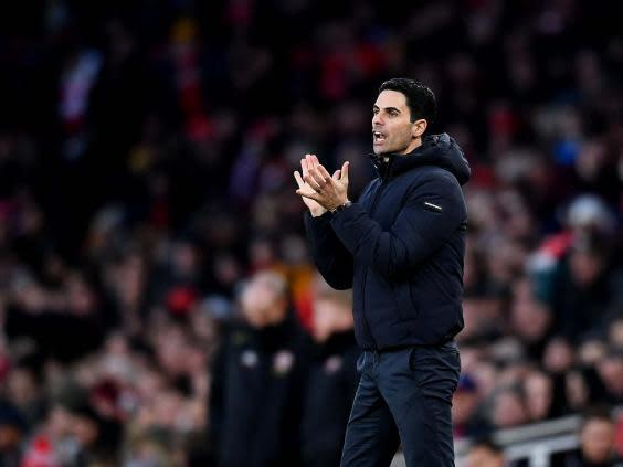 Mikel Arteta shouts encouragement during Arsenal's 1-1 draw (Getty)