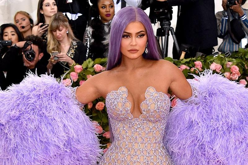 """Kylie Jenner gave us all a glimpse of her """"real hair,"""" and we love how excited she is about it"""