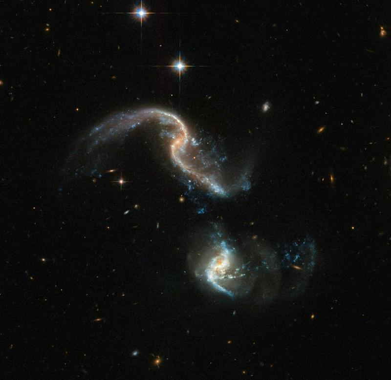 03_08_colliding_galaxies
