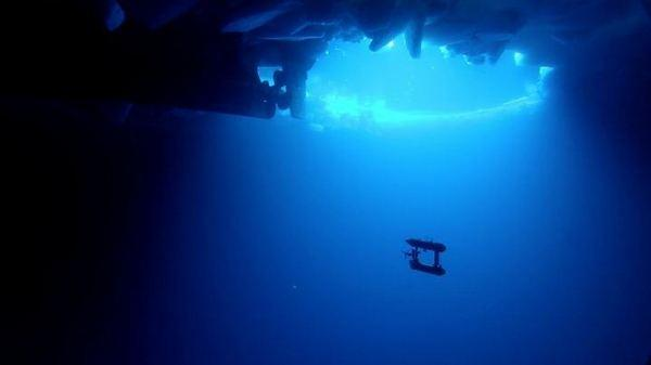 Robot Sub Maps Underside of Antarctic Ice in 3-D