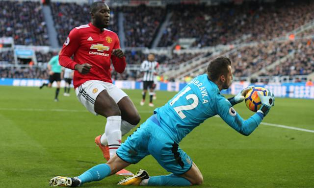Martin Dubravka made a successful start to his Newcastle career, keeping Manchester United at bay for a 1-0 victory.
