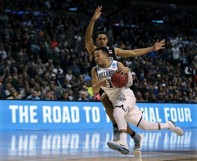"Villanova junior point guard <a class=""link rapid-noclick-resp"" href=""/ncaab/players/131426/"" data-ylk=""slk:Jalen Brunson"">Jalen Brunson</a>, a first-team All-American, continues to impress in March. (AP)"