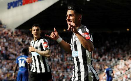 Soccer Football - Premier League - Newcastle United vs Chelsea - St James' Park, Newcastle, Britain - May 13, 2018 Newcastle United's Ayoze Perez celebrates scoring their second goal Action Images via Reuters/Lee Smith