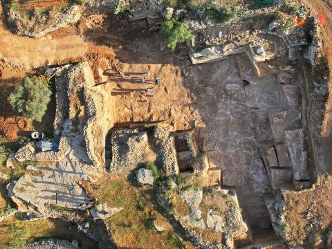 A quarry from the time of the Second Temple, along with various tools and a 2,000-year-old key, were uncovered in Jerusalem.