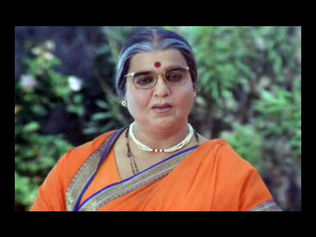 <b>10. Kamal Haasan</b><br> One of the most realistic drag performances would be that of this South Indian veteran in the movie 'Chachi 420'. A Bollywood remake of 'Mrs. Doubtfire', in which Robin Williams played the role affably – 'Chachi 420' brings back to mind the superb make-up as well as acting of Haasan as a father in his desperate attempts to meet his children who live with his divorced wife.