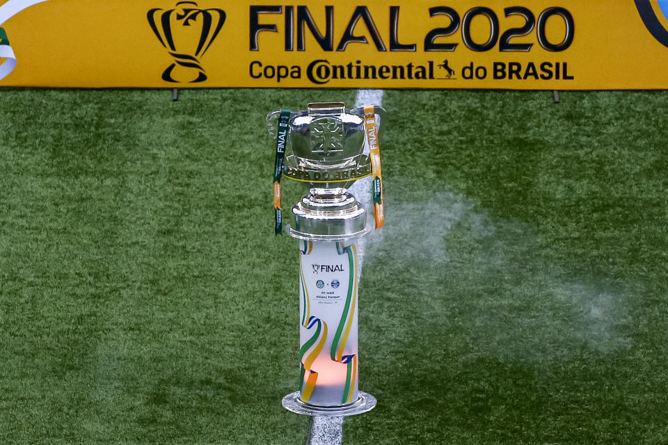 SAO PAULO, BRAZIL - MARCH 07: A view of the Copa do Brasil Champions trophy prior to the match between Palmeiras and Gremio as part of 2020 Copa do Brasil Final at Allianz Parque on March 7, 2021 in Sao Paulo, Brazil. (Photo by Buda Mendes/Getty Images)